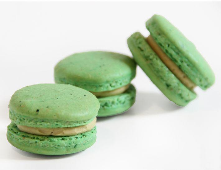 10 Pistazien Macarons