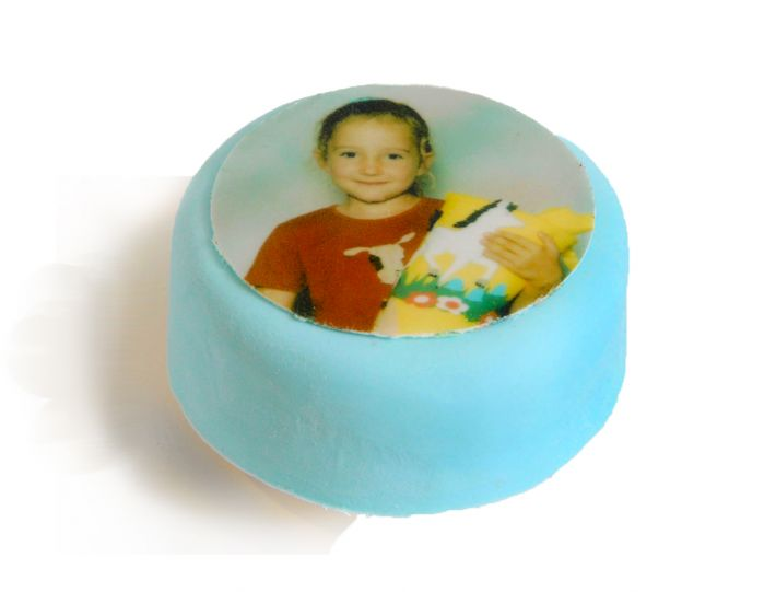 12 blaue Mini Törtchen mit Deinem Foto Bsp. 1
