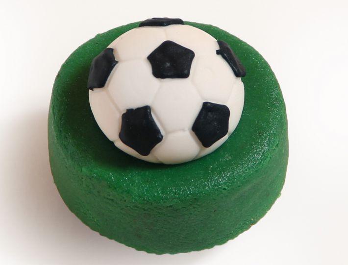 12 Mini Törtchen mit Fussball