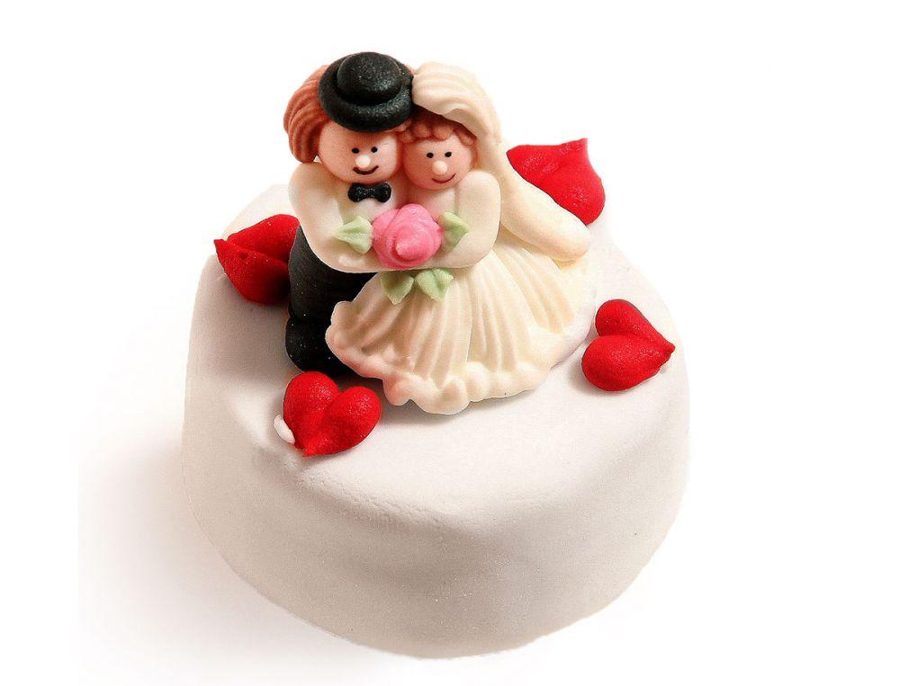 6 Hochzeitstörtchen mit Herzen im Miniformat
