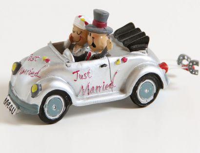 Brautpaar im Käfer