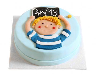 Junge mit Schultafel Torte