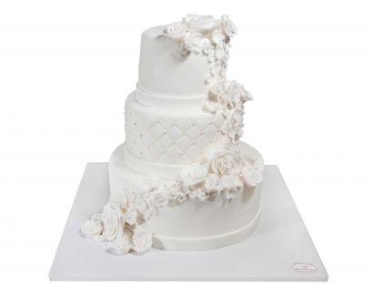 Weisse Rosenranken Torte
